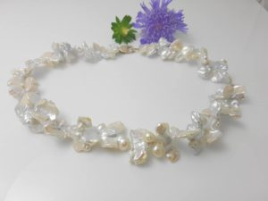 halsketting van keshie parels, zoetwaterparels, licht grijze tint
