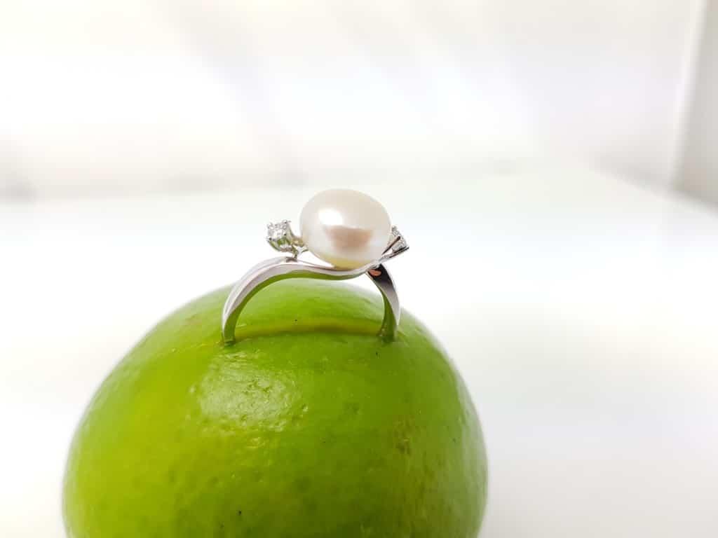 Uitzonderlijk Parel ring of ring met edelstenen in 18k goud - Parels Kumpen EM96