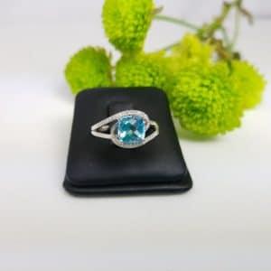 blauwe topaas ring