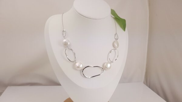 moderne zilveren alsketting met echte parels