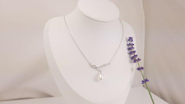 zilveren halsketting met parelhanger