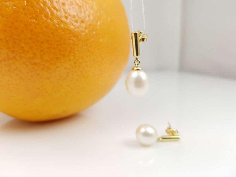 gouden oorbellen met echte parels, afhangend model