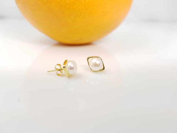 oorbellen van 18k goud met echte parels en ruit in goud
