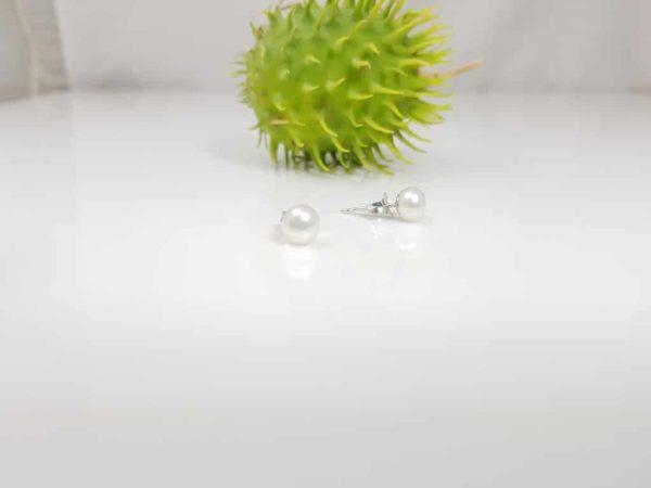 witte platte parelknop