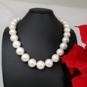 halsketting van uitzonderlijke dikke parels