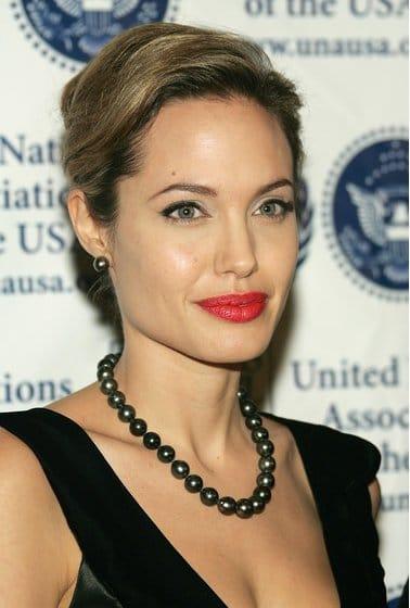 Angelina Jolie met Tahiti Parels