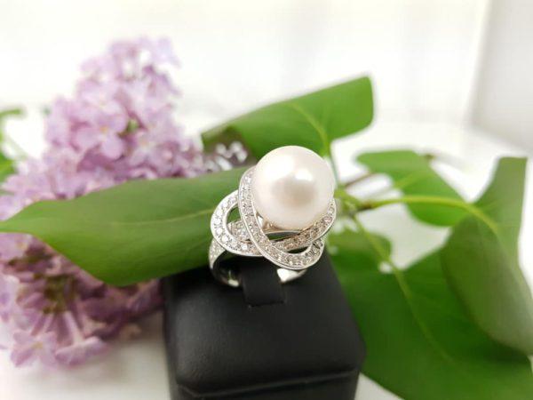 witgouden ring met echte parel
