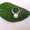 witgouden ring met grote ronde parel