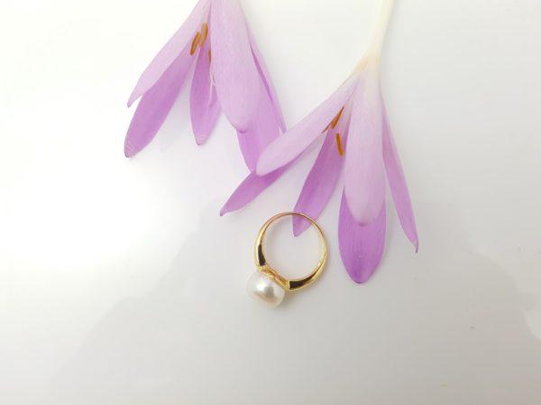 geelgouden ring met echte parel