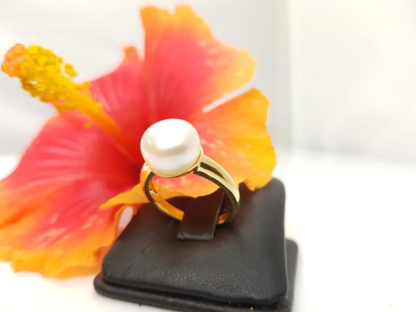 ring van geelgoud met echte parel