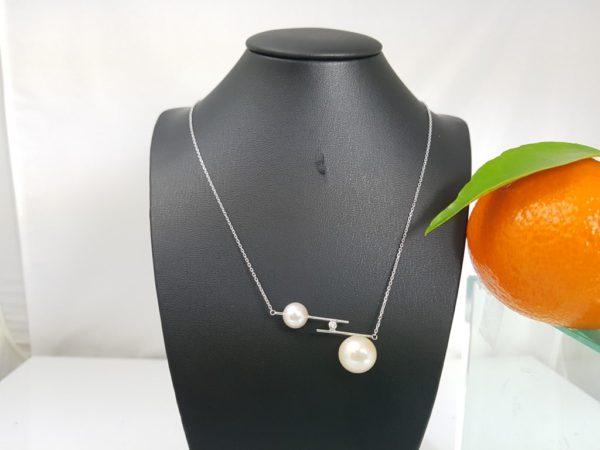 witgouden ketting met 2 parel en diamant
