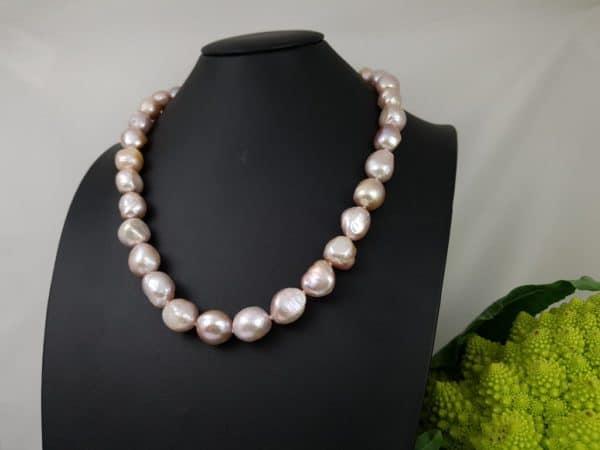 roze barokke parelketting