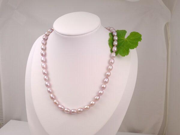 Halsketting met echte parels, natuurlijk roze.