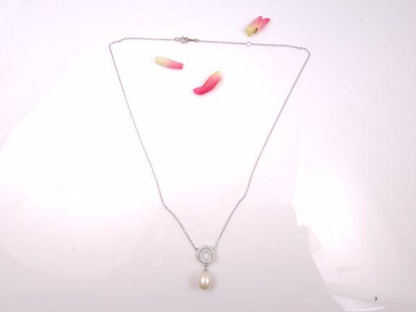 halsketting met echte parels