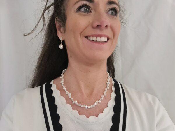 Halsketting van echte keshi parels.