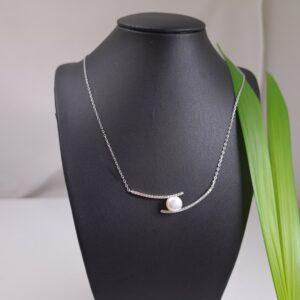 halsketting van zilver met echte parel
