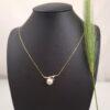 Geelgouden halsketting met echte parel en diamanten
