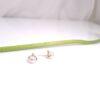 Geelgouden parelknop met diamant