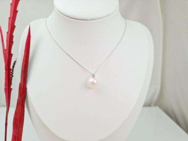 Witgouden ketting met echte parel en diamant