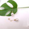 18k geelgouden oorbellen met echte parel.